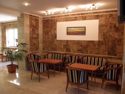 Снек бар на хотел Център в град Априлци - Хотел Център - Априлци